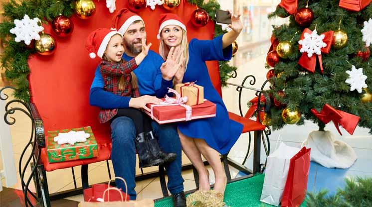 navidad en familia en centro comercial